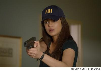 世界一の美人捜査官は、テロリスト?! 『クワンティコ/FBIアカデミーの真実』予告編